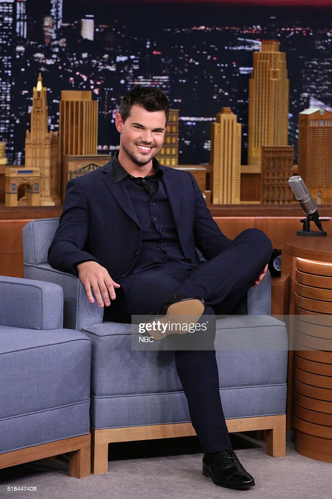 """NBC's """"The Tonight Show Starring Jimmy Fallon"""" with guests Taylor Lautner, Sean """"Puffy"""" Combs, Weezer"""