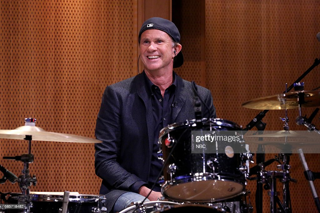 Drummer Chad Smith performs with The Roots on August 3, 2016 --