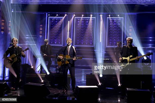 Musical guest David Gray performs on November 28 2016