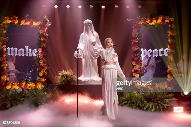 Musical guest Halsey performs on May 4 2017