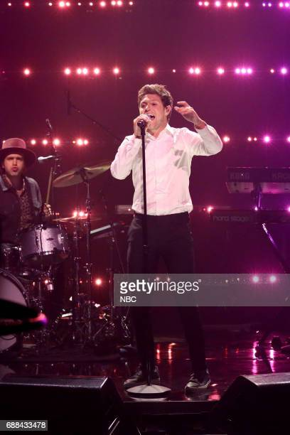 Singer Niall Horan performs 'Slow Hands' on May 25 2017