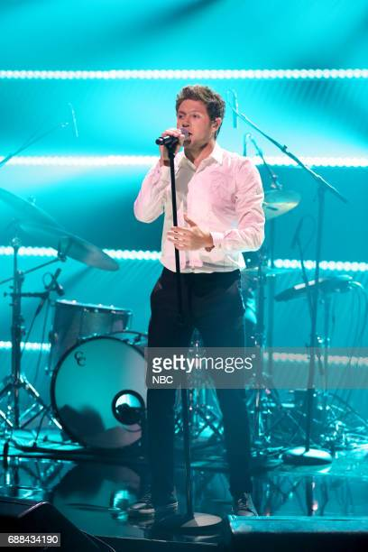 Singer Niall Horan performs Slow Hands on May 25 2017