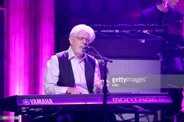 Michael McDonald performs Show You The Way on June 5 2017