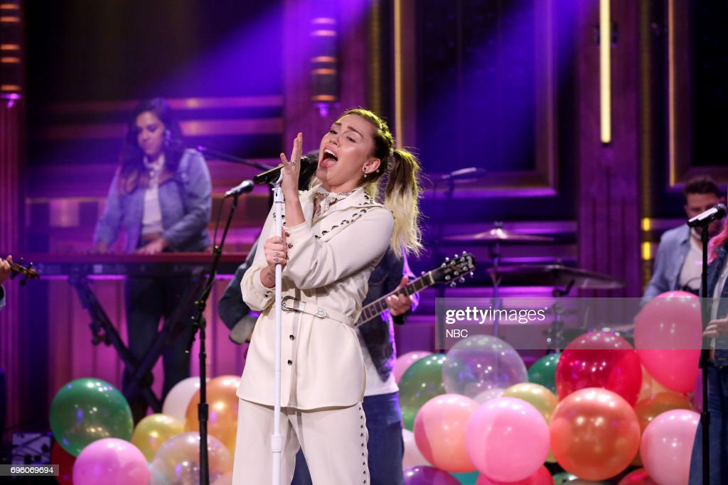 Musical Guest/Co-Host Miley Cyrus performs 'Malibu' on June 14, 2017 --