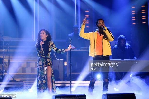 Singer Jhené Aiko performs Moments with Big Sean on October 9 2017