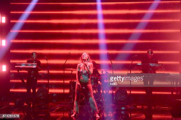 Musical Guest Tove Lo performs 'Disco Tits' on November 14 2017