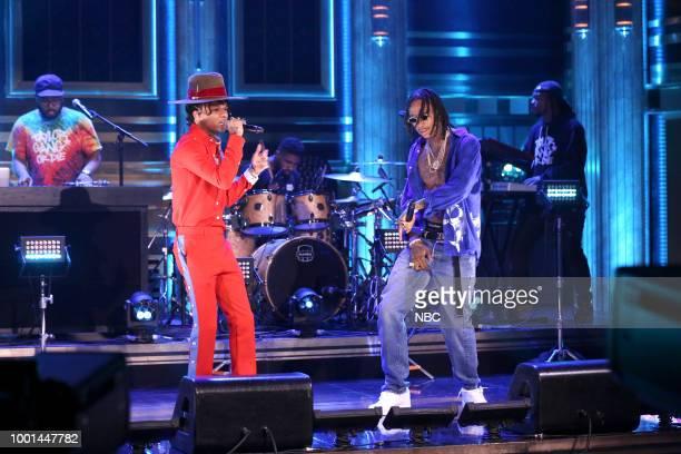 Wiz Khalifa ft Swae Lee performs Hopeless Romantic on July 18 2018