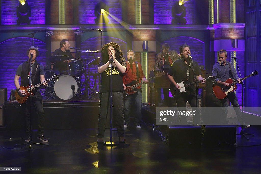 Dan Vickrey, Jim Bogios, Adam Duritz, Millard Powers, David Immergl?ck and David Bryson of musical guest Counting Crows perform on September 3, 2014 --