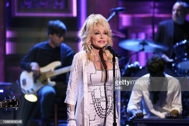 Musical guest Dolly Parton performs on November 30 2018