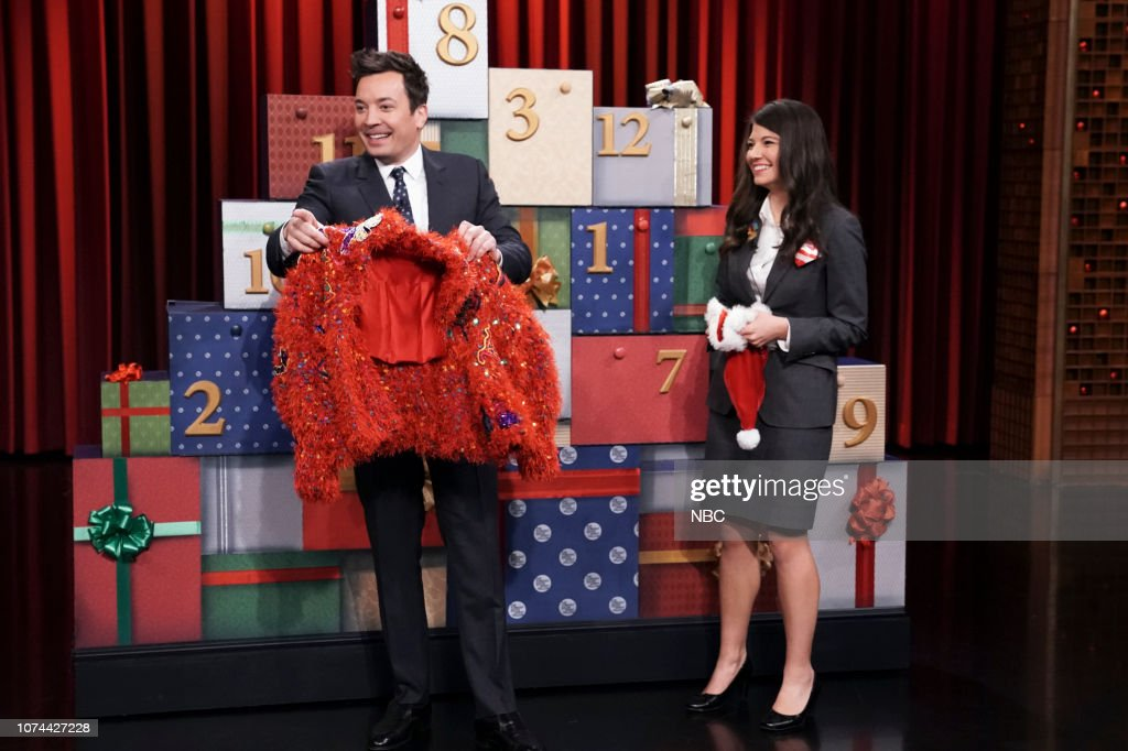 Jimmy Fallon Christmas Sweaters.Host Jimmy Fallon And An Nbc Page During 12 Days Of Xmas
