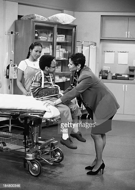 HOUSE Episode 1 Getting To Know You Pictured Maia Campbell as Tiffany Warren Jeffery Wood as Austin Warren and Debbie Allen as Jackie Warren