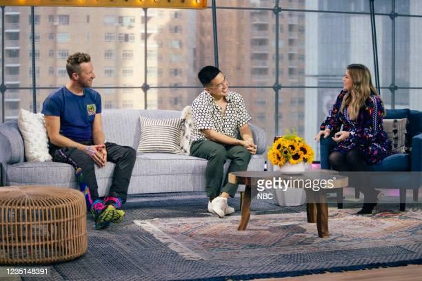 Episode 1003 -- Pictured: Chris Martin, Bowen Yang, Kelly Clarkson --