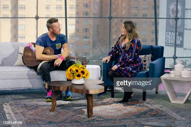 Episode 1003 -- Pictured: Chris Martin, Kelly Clarkson --