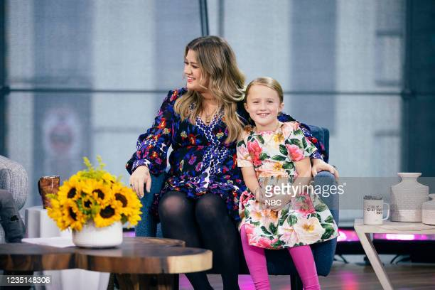 Episode 1003 -- Pictured: Kelly Clarkson, River Rose --