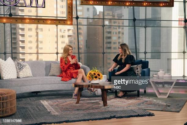 Episode 1004 -- Pictured: Connie Britton, Kelly Clarkson --