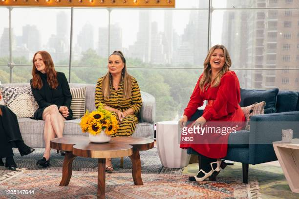 Episode 1005 -- Pictured: Julianne Moore, Angie Martinez, Kelly Clarkson --