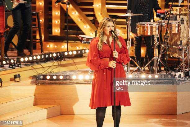 Episode 1005 -- Pictured: Kelly Clarkson --