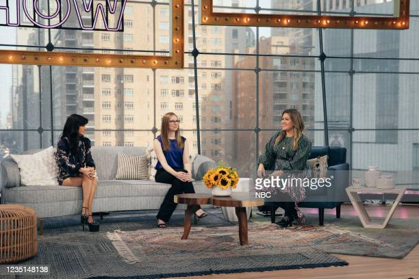 Episode 1006 -- Pictured: Julia Haart, Amanda Munz, Kelly Clarkson --