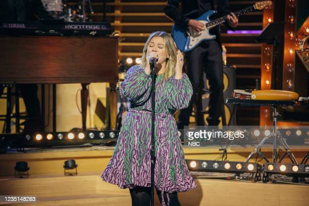 Episode 1006 -- Pictured: Kelly Clarkson --