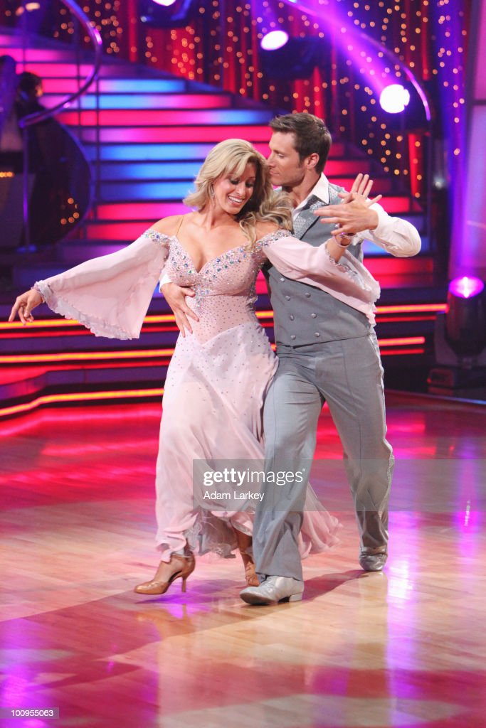 SHOW - 'Episode 1010A' - In the two-hour finale on TUESDAY, MAY 25 (9:00-11:00 p.m., ET), all previously eliminated couples returned to perform all-new dance routines. (Photo by Adam Larkey/ABC via Getty Images) VIENNA