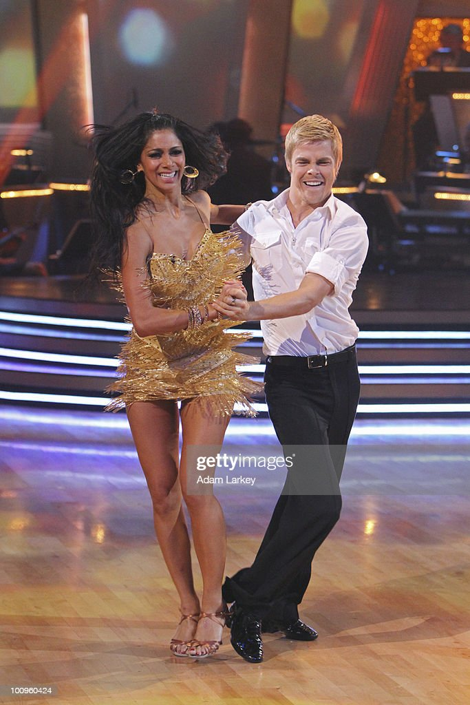 SHOW - 'Episode 1010A' - In the two-hour finale on TUESDAY, MAY 25 (9:00-11:00 p.m., ET), the competition continued as the three finalists performed their favorite dance of the season and were ranked by the judges. For the first time ever, all three couples chose the same dance, the Argentine Tango. Once the third-place winner was announced, the remaining two teams performed a fourth and final dance for the judges' scores, which was composited with the other scores and viewer votes. (Photo by Adam Larkey/ABC via Getty Images) NICOLE