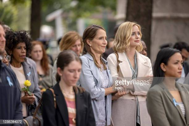 """Episode 102 """"Requiem"""" -- Pictured: Anne Ramsay as Gwen, Elizabeth Lail as Jenny Banks --"""