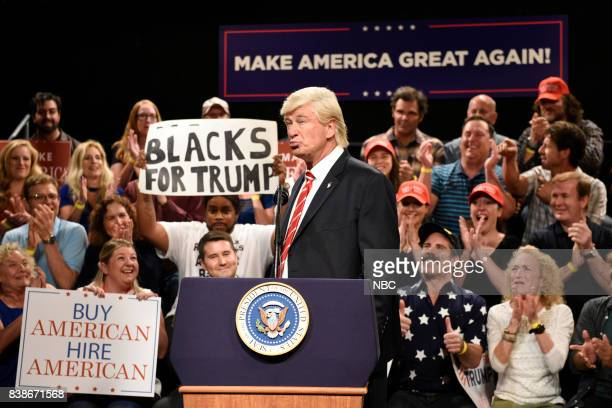 Kenan Thompson Alec Baldwin as President Donald Trump during a Trump Phoenix Rally on August 24 2017