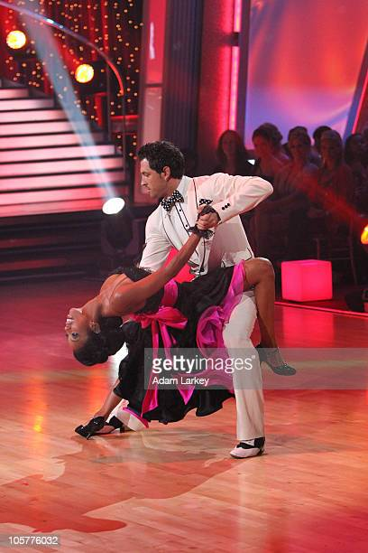 SHOW Episode 1105A On this season's fifth Dancing with the Stars Results Show Brandy and Maksim Chmerkovskiy entertained the audience with an encore...
