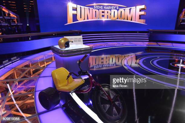 FUNDERDOME Episode 112 Aspiring inventors hope to win over a live studio audience to fund their ideas products or companies on an allnew episode of...