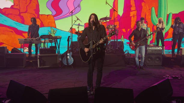 "NY: NBC'S ""Late Night With Seth Meyers"" With Guests Dave Grohl, Ziwe, FOO FIGHTERS (Band Sit-In: Mario Duplantier)"