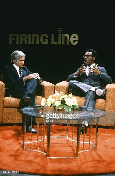 Robin Williams as William F Buckley Eddie Murphy as Dr Phillip Holder during the 'Firing Line' skit on February 11 1984 Photo by Al Levine/NBC/NBCU...