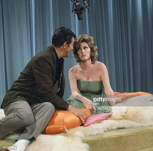 Episode 121 --Pictured: Host Dean Martin, singer/actress Julie London -- Photo by: Gerald Smith/NBC/NBCU Photo Bank
