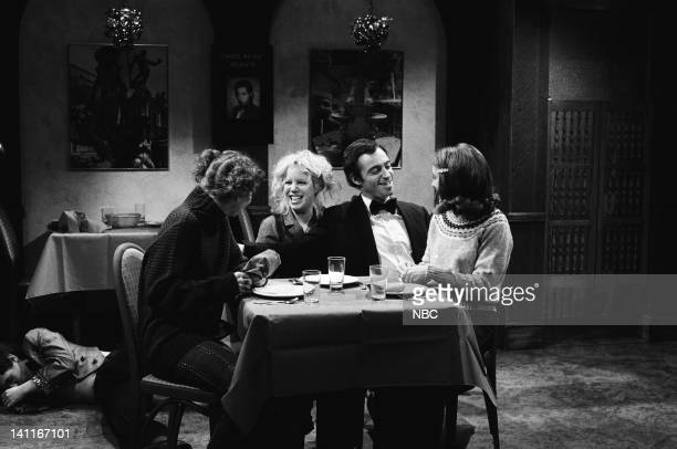 Ann Risley as patron Denny Dillion as patron Ray Sharkey as Vinnie Gail Matthius as patron during 'The WaiterMaker' skit on April 11 1981 Photo by...