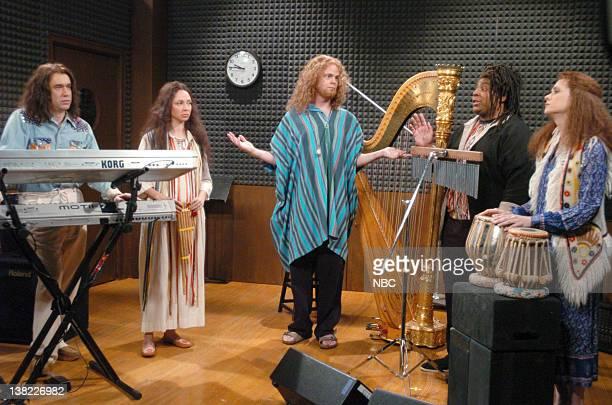 LIVE Episode 14 Aired Pictured Fred Armisen as Josiah Maya Rudolph as Kendra Rainn Wilson as musician Kenan Thompson as Naseem Kristen Wiig as Tracy...