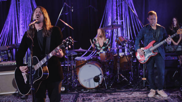 "NY: NBC's ""Tonight Show Starring Jimmy Fallon"" with guests 	Dave Grohl, Joel Kinnaman, FOO FIGHTERS"