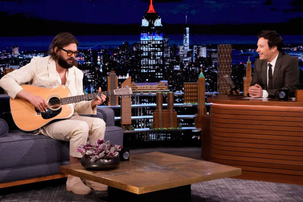 "NY: NBC's ""Tonight Show Starring Jimmy Fallon"" with guests 																							Jessica Biel, Nick Thune, MAD FOXES"