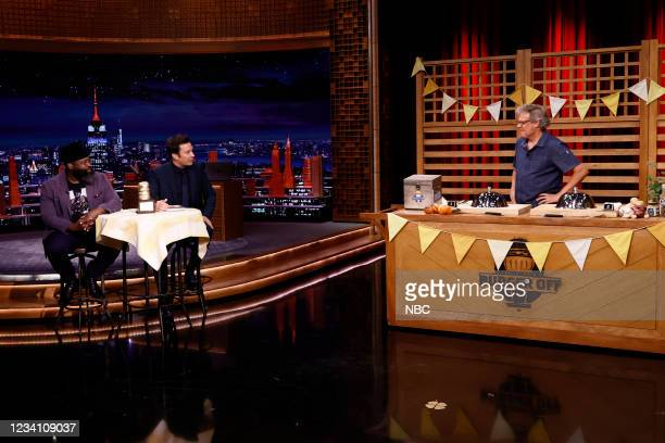 """Episode 1494 -- Pictured: Tariq """"Black Thought"""" Trotter, host Jimmy Fallon, and guest judge George Motz during the """"Tonight Show Burger Off"""" on..."""
