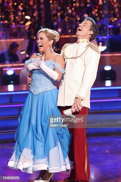 STARS Episode 15052 On night two TUESDAY OCTOBER 23 the four couples who performed their Team Dance on Monday night danced their individual dances to...
