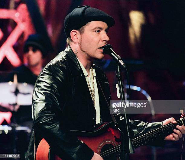 Musical guest Everlast performs on February 1 1999