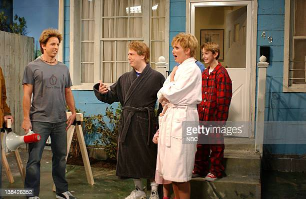 LIVE Episode 16 Aired Pictured Seth Meyers as Ty Pennington Chris Parnell as Gary Harris Cameron Diaz as Donna Harris during Extreme Makeover Home...