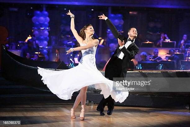 STARS 'Episode 1603' Dust off your tux and put on your dancing shoes because 'Dancing with the Stars' is taking you to the prom MONDAY APRIL 1 The...