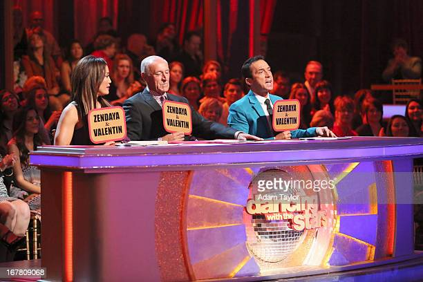 STARS Episode 1607 In a new twist and another Dancing with the Stars first the couple with the highest overall score for the night was granted...