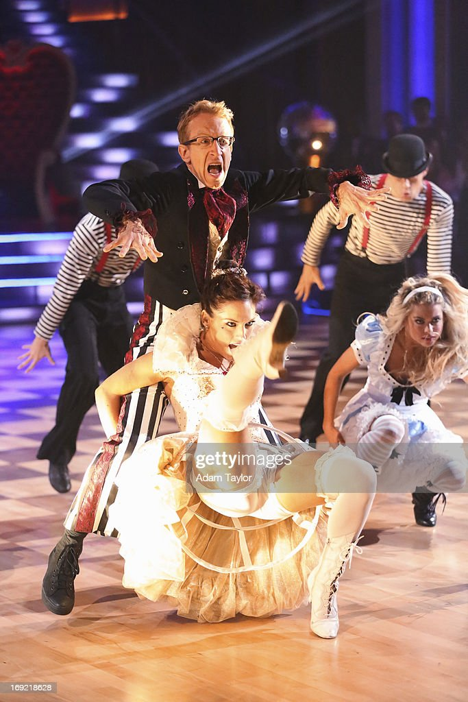"ABC's ""Dancing With the Stars"" - Season 16 - Week Ten : News Photo"