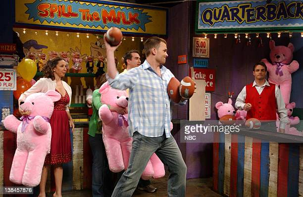 LIVE Episode 17 Aired Pictured Maya Rudolph as wife Tom Brady as Alan Chris Parnell as salesman during Touchdown skit