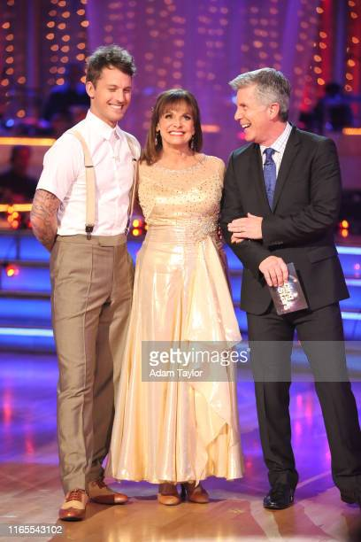 Episode 1704 10 remaining couples took to the ballroom floor on Dancing with the Stars MONDAY OCTOBER 7 TRISTAN MACMANUS VALERIE HARPER TOM BERGERON...