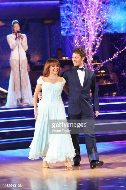 Episode 1711A Valerie Harper danced with partner Tristan MacManus to a version of What a Wonderful World by singer Colbie Caillat on the twohour...