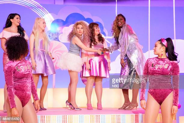 Cecily Strong Saoirse Ronan Kate McKinnon Aidy Bryant Leslie Jones during Girl Song on Saturday December 2 2017