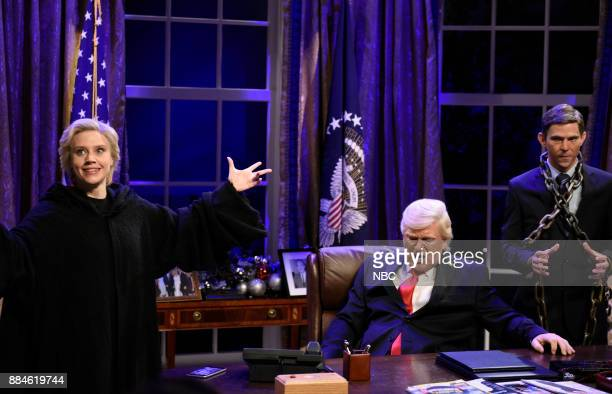 Kate McKinnon as Hillary Rodham Clinton Alec Baldwin as President Donald J Trump Mikey Day as Michael Flynn during White House Cold Open in Studio 8H...