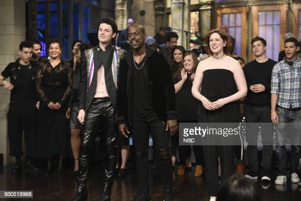 LIVE Episode 1740 Sterling K Brown Pictured Musical Guest James Bay Host Sterling K Brown Vanessa Bayer during Goodnights Credits in Studio 8H on...