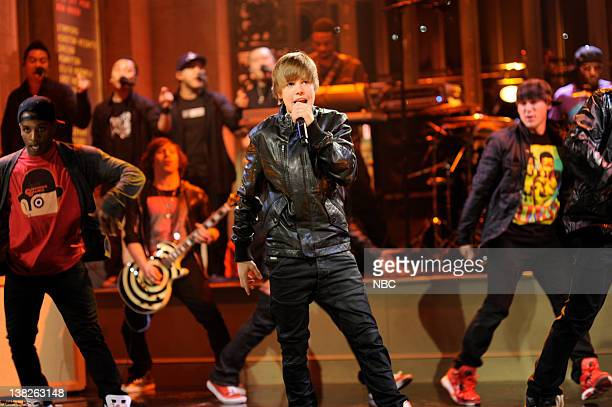 LIVE Episode 1752 Tina Fey Pictured Justin Beiber performs